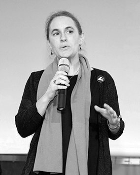 Charmant, Schlagfertig und top-informiert: Keynote Rednerin Marietta Gädeke