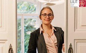 Kommunikationstrainerin Marietta Gädeke öffnet die Tür für dein Praktikum in Mainz.