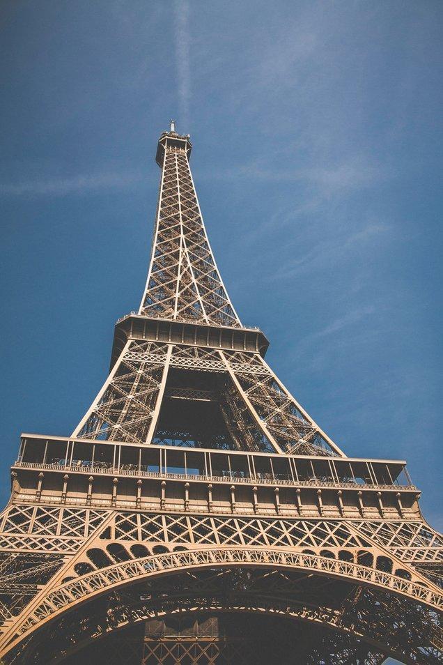 Hierarchiedenken in Frankreich - so steil wie der Eiffelturm.