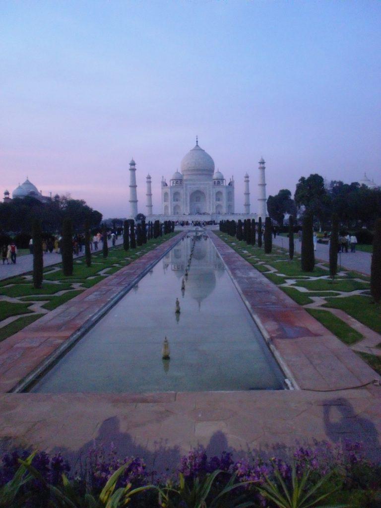 Interkulturelles Training Indien bietet Tipps für das Arbeiten in Indien im Schatten des Taj Mahal