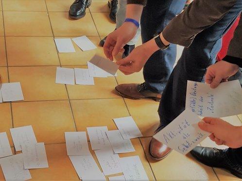 aktivierende Übungen und Methoden motivieren die Teilnehmer und bereichern den Seminaraufbau